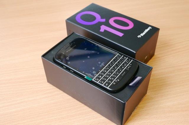 Điện thoại Blackberry Q10 chính hãng bản thái lan (có box)